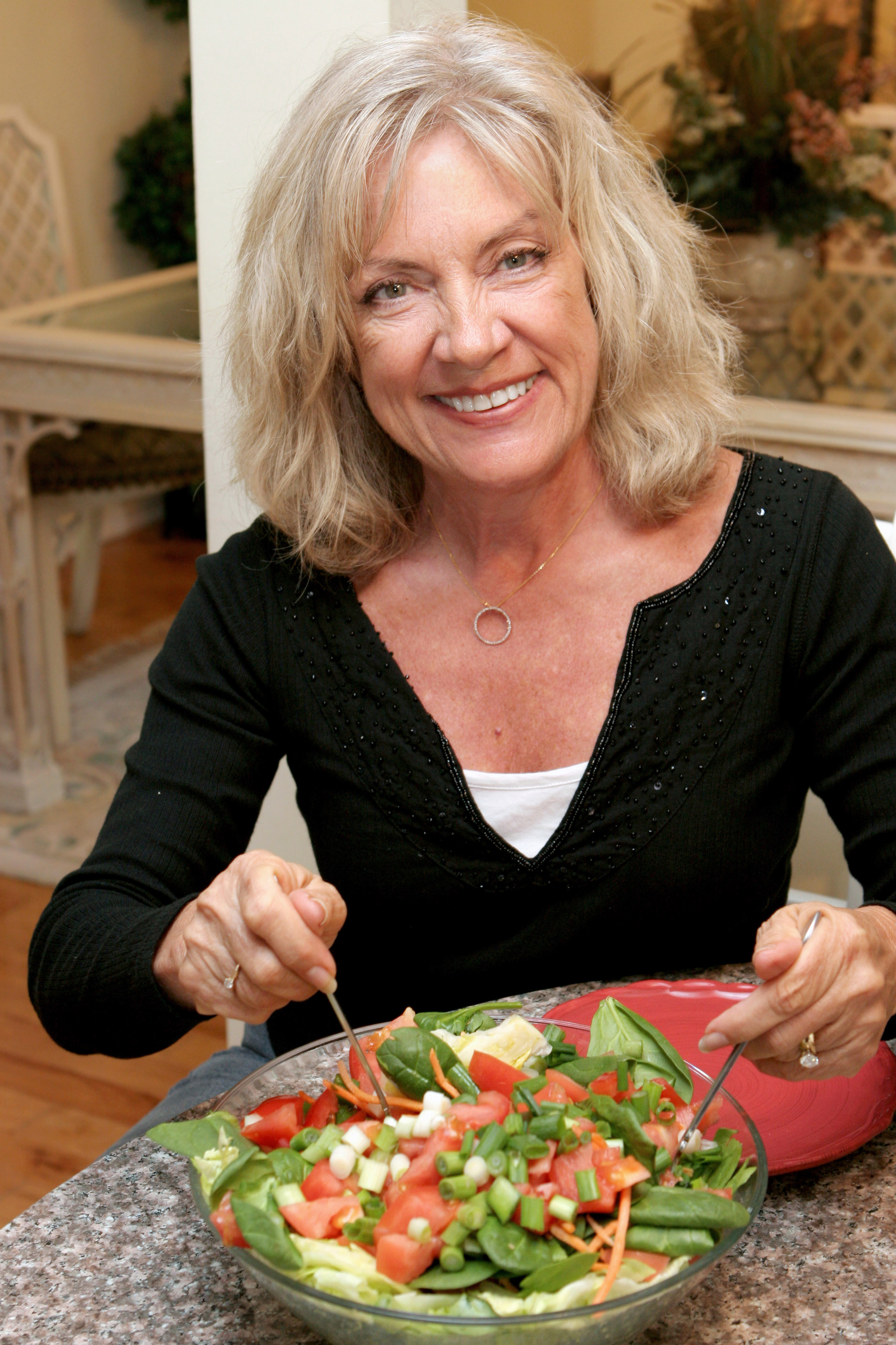 Low Fat Diet May Cut Ovarian Cancer Risk National Institutes Of Health Nih
