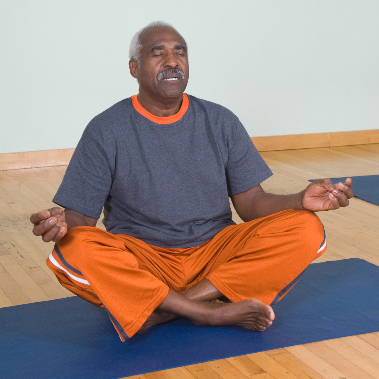 Meditation and cognitive-behavioral therapy ease low back pain