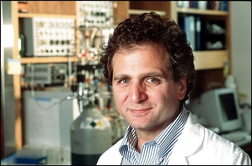 Portrait of Dr. David Schwartz