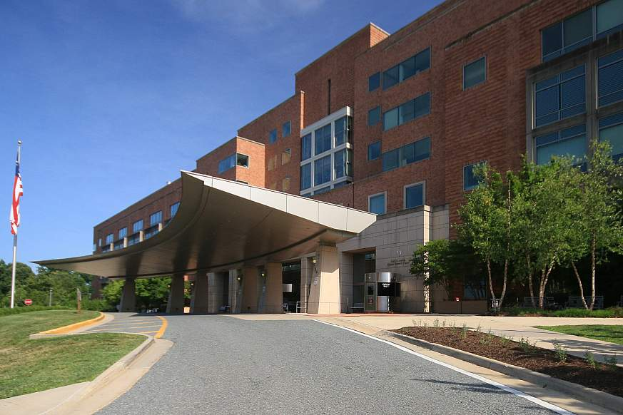 The Mark O. Hatfield Clinical Research Center (Building 10) North entrance, Bethesda, M