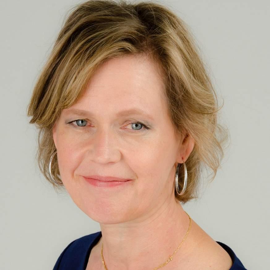 Lynn DeBar