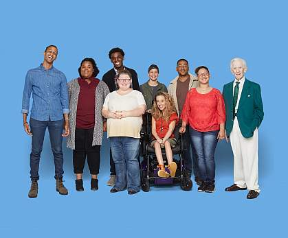 Image of 10 people smiling