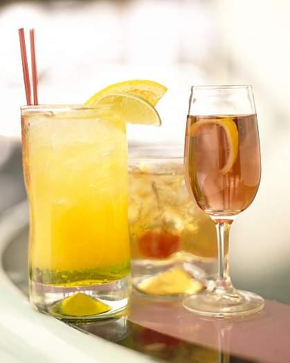 photo of alcoholic drinks