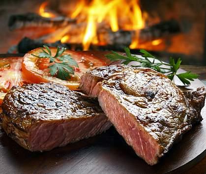Steak and tomatoes