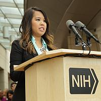 Nina Pham gives a brief statement in front of the NIH Clinical Center. Bill Branson/NIH