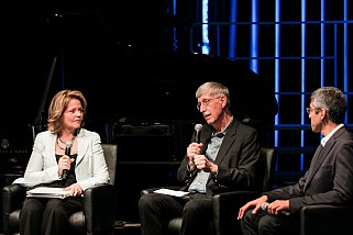 "NIH Director Dr. Francis Collins, renowned soprano Renée Fleming, and former Surgeon General Vivak Murthy discuss the Future of Music and the Mind and the reason for the Sound Health partnership. Advances in neuroscience are moving at an unprecedented pace. We can now visualize what the brain is doing as people have profound reactions to music. One example is the release of dopamine in a specific part of the brain when music gives you the ""chills."" By studying how our brain's reacts to music, both listening and producing, we are learning more about how the brain works.  The goal is to bring neuroscience and music therapy together to further enrich basic science & the clinical aspect of music therapy?"